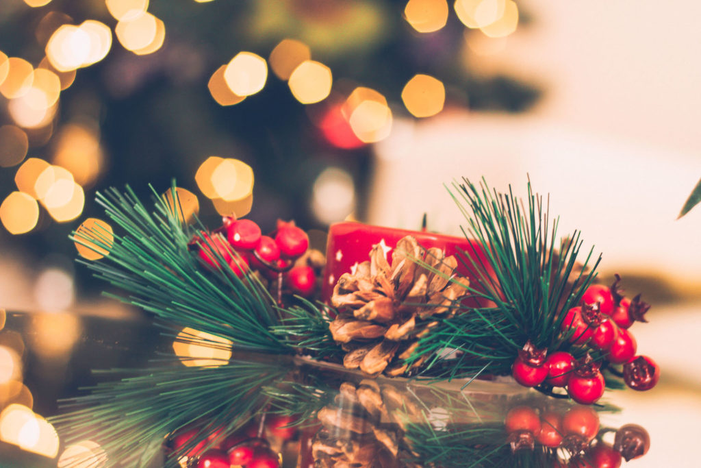 simple holiday home staging and decor
